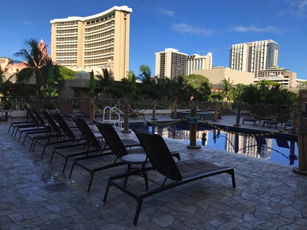 ハワイ ビーチコマー プール
