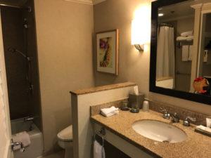 モアナサーフライダーホテルの洗面所